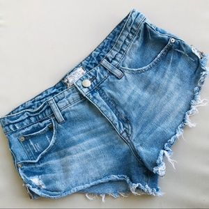 Free People Distressed Jean shorts size 25